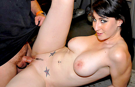 Hot MILF Natalie Gets Tooled by a Mechanic